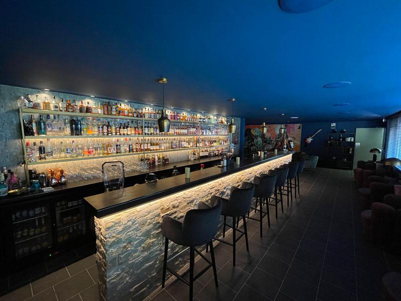 Vernieuwde bar van Domaine de Lanzac