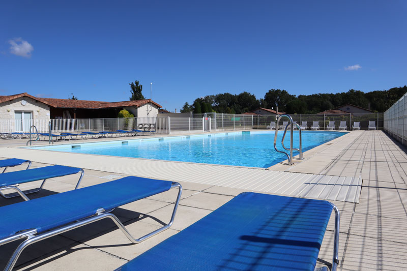 Zwembad van Domaine Les Forges